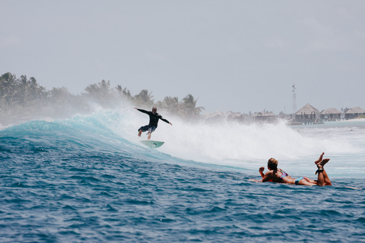 Malediven, Südmale Atoll, Surf Boattrip, Surfer