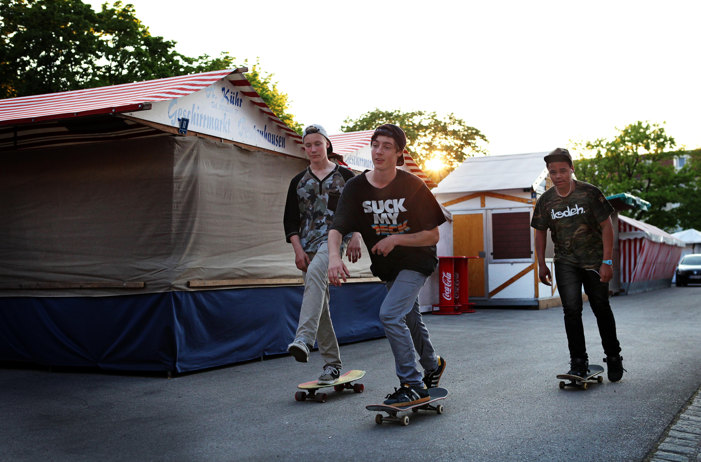 skate-crew-2